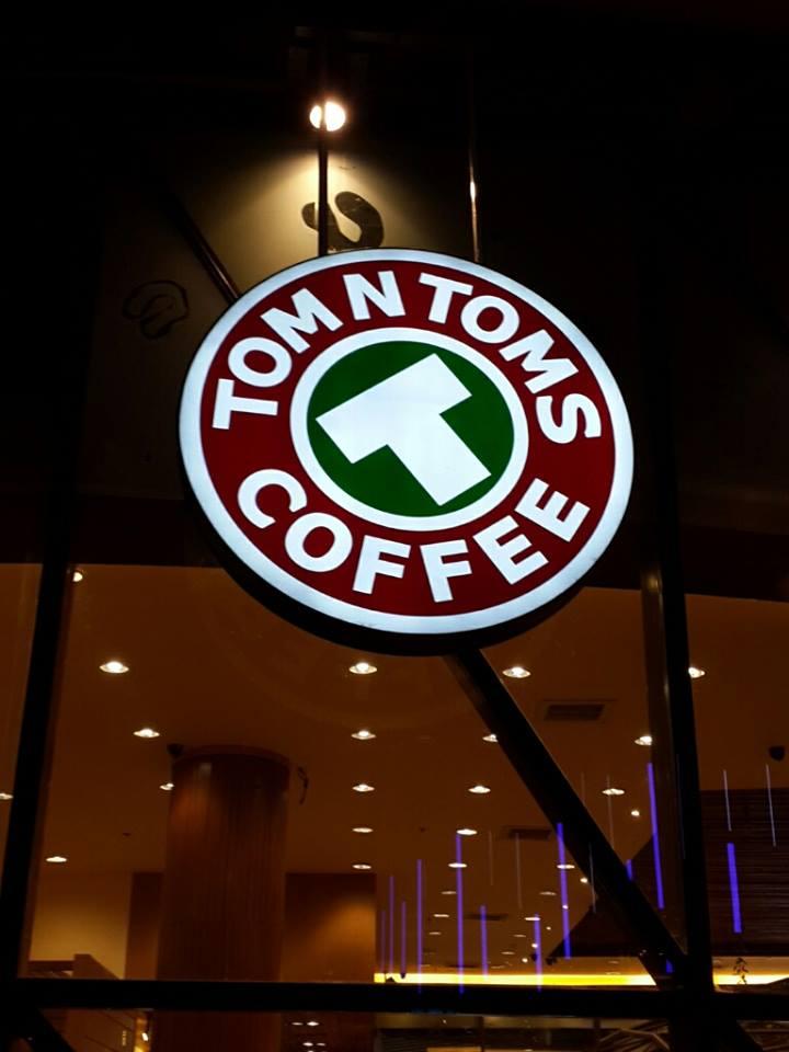 ดูหน้างาน วางระบบปรับอากาศ ท่อลม , ท่อดักท์ ที่ TOM'N TOMS COFFEE