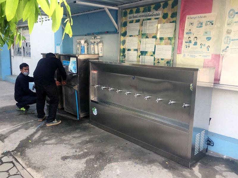ตู้ทำน้ำร้อน น้ำเย็น ยี่ห้อ MaxCool แบบต่อท่อประปา (หน้าเว้า) ระบบเปิด ใช้งานภายนอกได้ดี