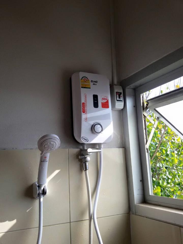 ติดตั้งแอร์/เครื่องทำน้ำอุ่น ที่คอนโด ถนนช้างคลานค่ะ