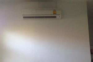 ภาพติดตั้งแอร์บ้าน DAIKIN น้ำยาแอร์ R#32 ที่บ้านลูกค้า อ.หางดง เชียงใหม่