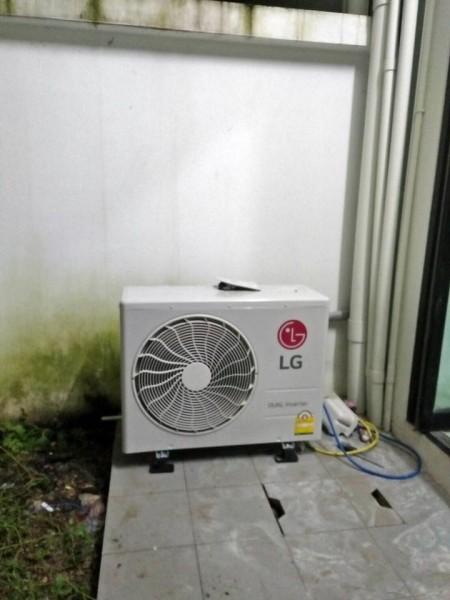 ติดตั้งแอร์ LG และย้ายแอร์ Samsung โครงการ ฟิฟธ์ เอเวนิว มีโชค