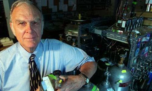 ผู้ค้นพบ สาร CFC ทำลายชั้นบรรยากาศของโลก