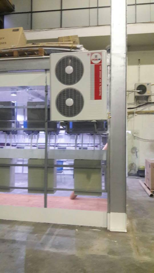 งานนี้แอร์เครื่องใหญ่ 48000 BTU ติดตั้งถึงที่โกดัง