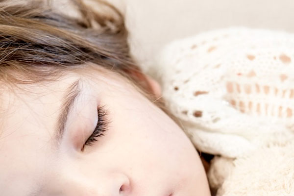 10 เทคนิค ช่วยให้นอนหลับ ให้เย็นสบาย โดยไม่ต้องเปิดแอร์